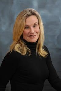 Dr. Lisa A. Ritter-Kahn headshot